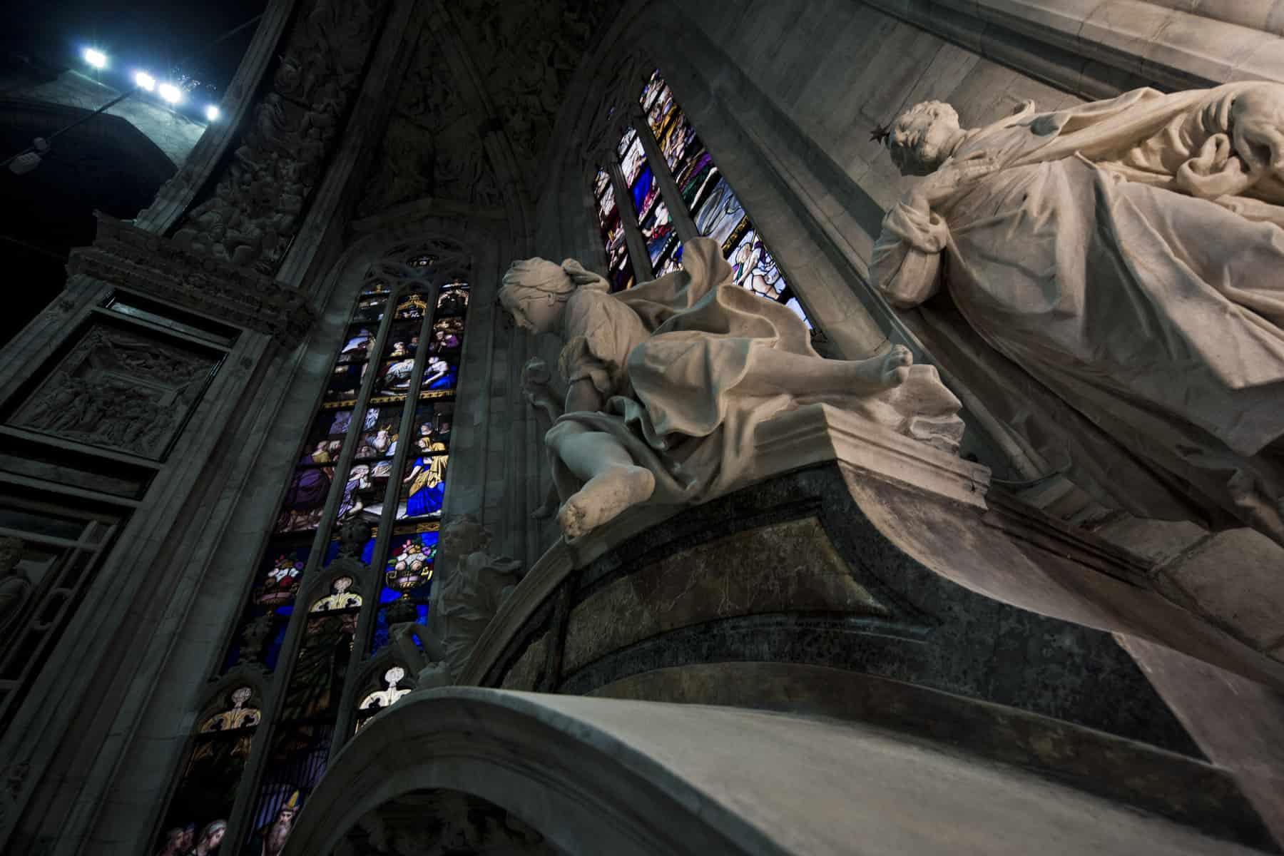 """La pietra di dio, la chiesa degli uomini</br><span class=""""sT"""">Cattedrale del Duomo, Milano</span>"""